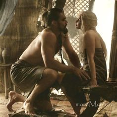 Game of Thrones (series 2011 - ) Starring: Jason Mamoa as Khal Drogo and Emilia Clarke as Daenerys Targaryen. Serie Got, Film Serie, George Rr Martin, Valar Morghulis, Winter Is Here, Winter Is Coming, Khal Drogo Khaleesi, Kal Drogo, Jon Snow