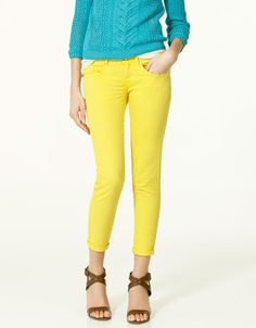 yellow skinny pants. now that I have red ones I feel a little more daring!