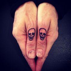 #small #skull #tattoos #finger #tattooidea