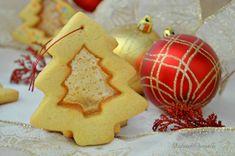 i biscotti natalizi col vetrino sono buoni, belli da vedere e simpatici da regalare, cosa chiedere di più a dei biscotti?