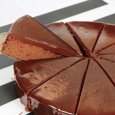 Yapılışı çok kolay kalıpta kek tarifi nasıl yapılır? Kuru üzümlü kalıpta kek yapımı? Silikon kalıpta kek nasıl yapılır? Kek tarifleri , denenmiş kek tarifi