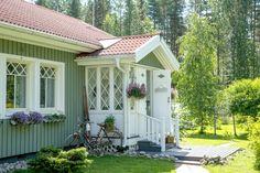 Kurkistus kesäidylliin! Ihana Älvsbytalon Suvetar-talomalli (4h+k+s, 101,5 m²).