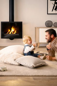 Modern Fireplace, Fireplace Design, 100 M2, Ibiza, Health Articles, Christmas Love, Home Living Room, Building A House, Home Goods