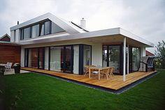 modernes architektenhaus mit pultdach dynamischer. Black Bedroom Furniture Sets. Home Design Ideas