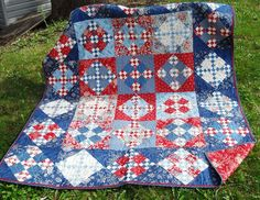 Great 4th of July Quilt from www.beckysquiltsandcomforts.com/alliowashophop