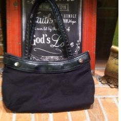 Thirty One Black Skirt Purse Cute Thirty One Purse in black. Skirts not included. Purse as shown included in this listing. Purse has wear on corner at top...see pics Thirty one Bags
