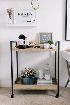 Make your own coffee bar with these decor and accesory ideas. Over thirty coffee bar decor and accesories you need to copy now. Coffee Bar Home, Home Coffee Stations, Coffe Bar, Office Coffee Station, Coffee Carts, Coffee Station Kitchen, Coffee Room, Coffee Shops, Coffee Coffee