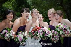 Bridesmaids having a laugh.  Wedding photography in Wellington, New zealand. Pictures by PaulMichaels photographers http://www.paulmichaels.co.nz