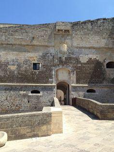 Puglia - Ingresso del Castello di Otranto – Ph. © Michele Natale