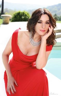 Romantic red dress | Monica Bellucci | Star Ethereal