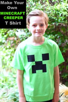 Not too long ago a friend of mine asked me to help her make creeper shirts for her son's Minecraft themed birthday party. All of the party goers were to receive a creeper shirt so Easy Minecraft Houses, Minecraft Crafts, Minecraft Buildings, Minecraft Stuff, Minecraft Skins, Creeper Minecraft, Minecraft Bedroom, Minecraft Birthday Party, 9th Birthday