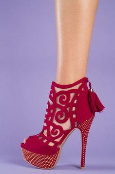 * Walking in Style * / Lolashoetique.? |Green Heels|