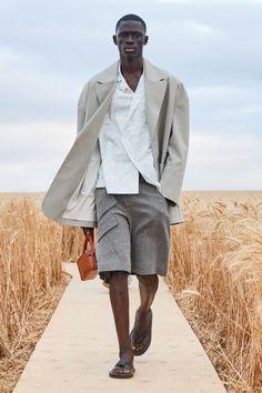 Коллекции | Ready-To-Wear | Весна-лето 2021 | VOGUE Male Fashion Trends, Spring Fashion Trends, Mens Fashion, Male Fashion Show, Fashion Week, Runway Fashion, Vogue Paris, Gq, Balmain