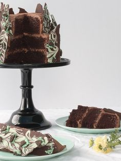 Irish Creme Chocolate Layer Cake With Chocolate Mint Oreo Bark | 21 Insanely Delicious Treats Featuring Baileys
