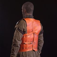suit_of_armour_no_01_back.jpg