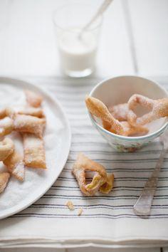 swedish/danish christmas cookie - klenäter/klejner