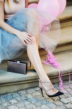 Tulle skirt, Valentino heels, and Pink Balloons. My kind of style. Perfect for my Party!