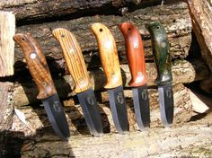 Timber Wolf Knives - Gm Knives Timber Wolf, Neck Knife, Bushcraft Knives, Knife Sheath, Knives And Swords, Leather Working, Weapons, Blade, Hobbies