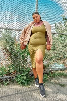 The Biggest Beauty Trends To Know For Fall Thick Girls Outfits, Curvy Girl Outfits, Plus Size Outfits, Fat Fashion, Curvy Girl Fashion, Plus Size Fashion, Chubby Ladies, Chubby Girl, Plus Size Kleidung