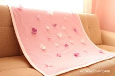 Hello … I've planted as a gift for the production stage of this stock … – Gift For Men Thermal Blanket, Toys For Boys, Fabric Patterns, Baby Quilts, Floor Chair, Flannel, Diy And Crafts, Throw Pillows, Bed