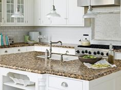 Design your kitchen countertops Laminate Kitchen Countertops: Pictures & Ideas From HGTV Outdoor Kitchen Countertops, Formica Countertops, Kitchen Countertop Materials, Granite Kitchen, Kitchen Laminate, Kitchen Cabinets, Kitchen Backsplash, Bathroom Countertops, Kitchen Counters