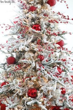 Flocked Christmas Tree - /cdn-cgi/l/email-protection excited. Today I'm sharing our 2018 flocked Christmas tr Christmas Tree Inspiration, Christmas Tree Design, Christmas Tree Themes, Rustic Christmas, Christmas Diy, Christmas Wreaths, Christmas Lights, Christmas Quotes, Vintage Christmas