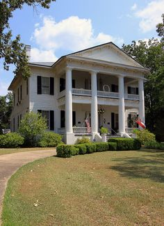 Rosswood Plantation, 1857  Originally a cotton plantation of 1250 acres with 105 slaves working the fields. It now has 100 acres and is open for tour on certain days.  Rosswood has14 rooms, with 14 foot ceilings, 10 fireplaces, columned galleries, a winding stairway, and original slave quarters. (www.rosswood.net/history.html)
