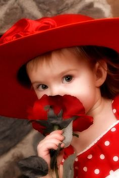 adorable little girl in red Precious Children, Beautiful Children, Beautiful Babies, Beautiful Roses, Little Doll, Little Girls, Cute Kids, Cute Babies, Funny Kids