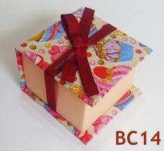 Caixa para Lembrancinhas Aniversário / Casamento / Batizado - R$ 3.75 / unidade - Saldão ! - VilaClub