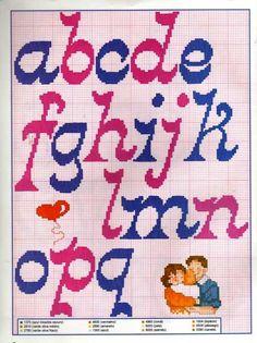 Graficos Ponto Cruz Abecedário (Amor) - A Minha Esfera Cross Stitch Alphabet, Cross Stitch Patterns, Needlepoint Stitches, Needlework, Lettering Tutorial, Arts And Crafts Movement, 2 Colours, Stencils, Kids Rugs