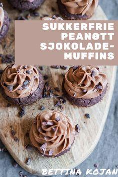 Sukkerfrie peanøtt sjokolademuffins med ostekremtopping fra Bettina Kojan er en nydelig sommerdessert | Sukkerfrie muffins | Sukrin | Sukkerfri kake | Dessertoppskrifter | Kake oppskrift | Muffins oppskrift