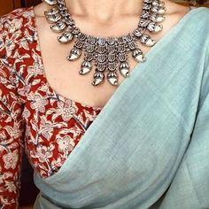 Saree and Indian jewelry Formal Saree, Casual Saree, New Saree Designs, Blouse Designs, Saree Jewellery, Saree Models, Plain Saree, Trendy Sarees, Saree Blouse Patterns