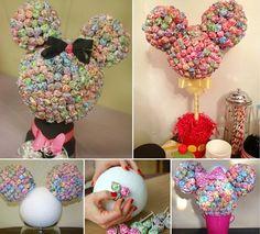 Minnie Mouse Dum-Dum display