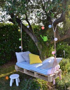 Pallet Tree Swing Yard