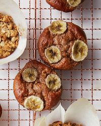 Forget everything you know about basic blueberry or banana muffins. These next-level recipes include gluten-free and vegan options and will wake up your breakfast routine with flavorful grains, fruit-forward batters, and protein-packed fillings. Make Banana Bread, Vegan Banana Bread, Baked Banana, Vegan Blueberry, Healthy Breakfast For Kids, Power Breakfast, Breakfast Ideas, Breakfast Recipes, Health Desserts