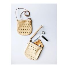 I'm all about versatility these days. Carrying only my essentials keeps my day to day organized and easy. My convertible dot pouch can be used as a clutch or a crossbody.