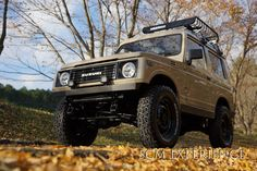 Japanese company ( scm experience ) did a great job on this 1990 Suzuki Jimny! Jimny Suzuki, Custom Cars, Cool Cars, Samurai, Monster Trucks, Model, Mini Trucks, Japanese, Beach