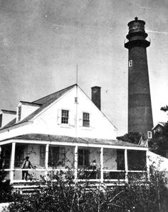 Wonderful old photo of the Jupiter lighthouse in Florida.How cool would it have been to live here!