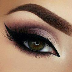 20 Heißesten Smokey Augen Make Up Ideen Las 20 mejores ideas de maquillaje Smokey Eye - Smokey Eye Make Up # Cute Makeup, Gorgeous Makeup, Makeup Looks, Makeup Style, Prom Makeup, Unique Makeup, Exotic Makeup, Hair Makeup, Elegant Makeup