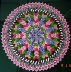 Mandala Teabag folding Diy Craft Projects, Diy Crafts, Ribbon Embroidery Tutorial, Paper Folding, Origami, Free Pattern, Decoupage, Outdoor Blanket, Paper Crafts