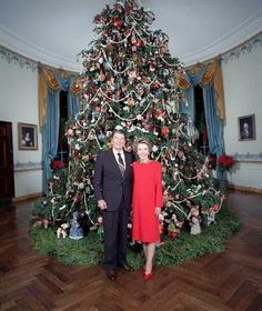Holidays in THE WHITE HOUSE over the years;  The 1986 Reagan tree featured decorations based on the theme, Mother Goose Christmas. The trimmings included wooden gingerbread cookie ornaments, state balls,