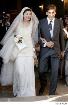 A flapper wedding gown for a royal Spanish bride