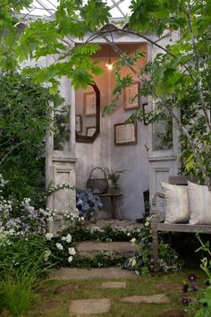 Jardin Decor, Garden Nook, She Sheds, Green Life, Back Gardens, Garden Gates, Shade Garden, Garden Planning, Garden Projects