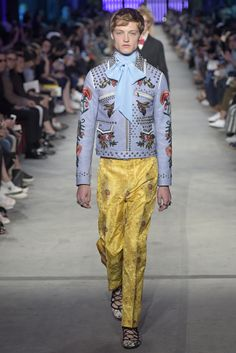 Gucci Men's RTW Spring2016. Gender-bending dandyism was the leading trend of Milan Men's Fashion Week.[Photo: Courtesy Photos]