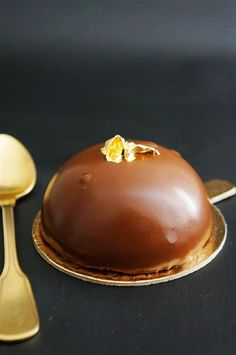 Cakelets and Doilies: Chocolate Mousse Entremet
