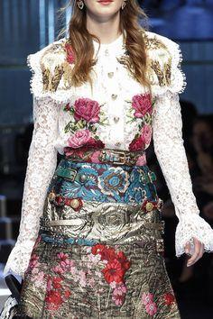 Dolce & Gabbana Fall 2017 Ready-to-Wear Fashion Show Details