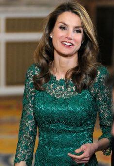 La Reina, junto a los Príncipes de Asturias y la Infanta Elena, ha presidido la cena ofrecida a los miembros de la Comisión de Evaluación del Comité Olímpico Internacional que se ha celebrado en el...