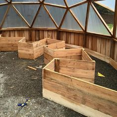 MY Hemlock Dome Green house (greenhouses forum at permies) Geodesic Dome Greenhouse, Build A Greenhouse, Greenhouse Ideas, Greenhouse Gardening, Plants For Raised Beds, Dome House, Bed Design, Garden Beds, Floor Plans