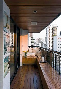 Awesome 35 DIY Small Apartment Balcony Garden Ideas https://lovelyving.com/2017/09/07/35-diy-small-apartment-balcony-garden-ideas/ #BalconyGarden
