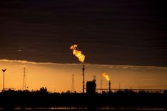 Venezuela has oil everywhere but not a drop to sell. How did heavy oil from Venezuela's Orinoco Belt tar sands (plus socialism) sink Venezuela's economy?